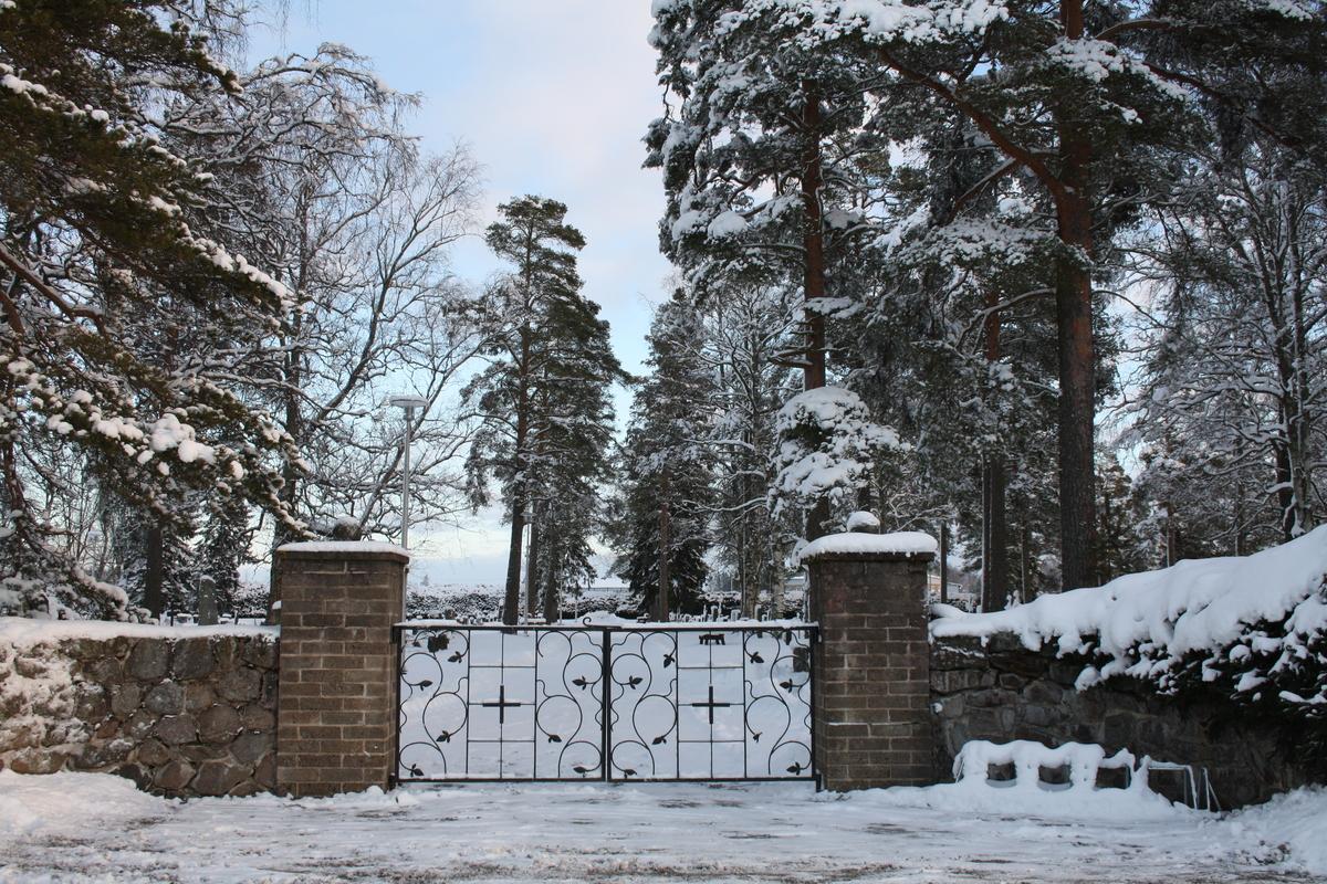 Bäckas begravningsplats